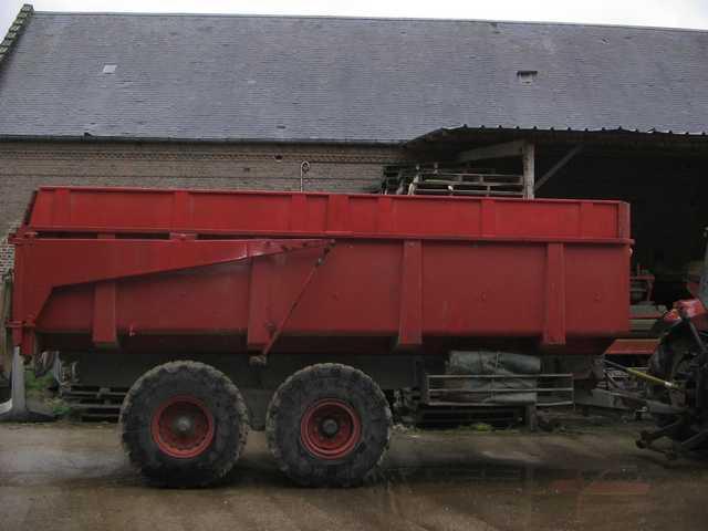 Photo du Remorques agricoles BB (montants de caisse droits)