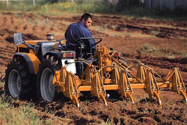 Photo du Tracteurs agricoles Multis 146 R