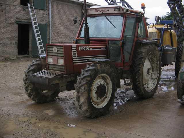 Photo du Tracteurs agricoles 110-90 DT