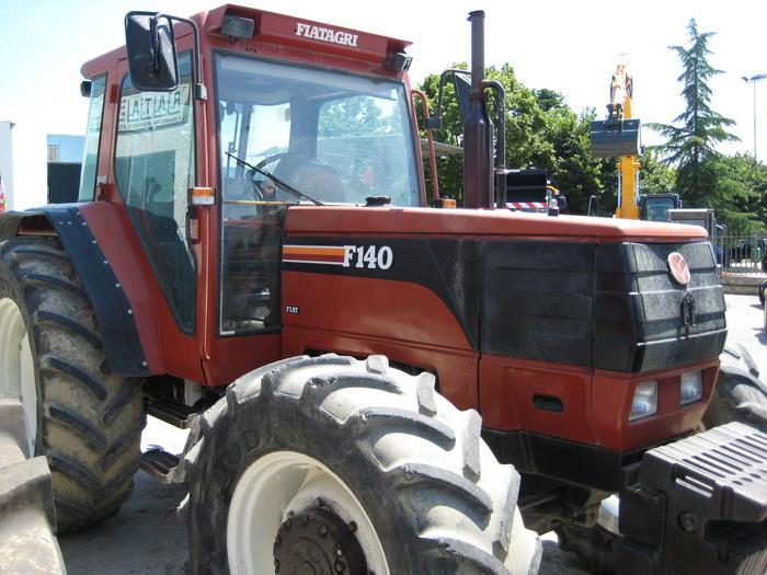 Photo du Tracteurs agricoles F140
