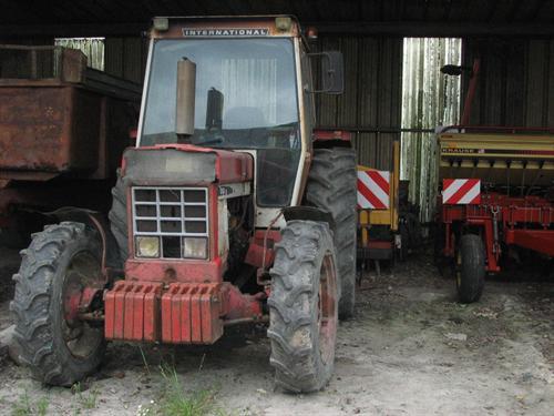 Photo du Tracteurs agricoles IH 1246 ( 4x4 )