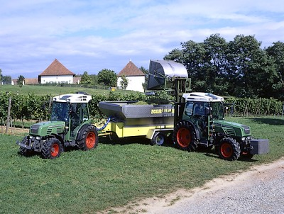 Photo du Tracteurs vignerons 206 VA cabine