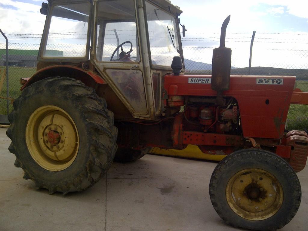 Photo du Tracteurs agricoles 565 2 A ou 4 A